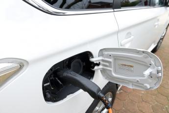 De auto en de fiscus, een financiële melkkoe of een middel om milieubewust ondernemen te stimuleren?